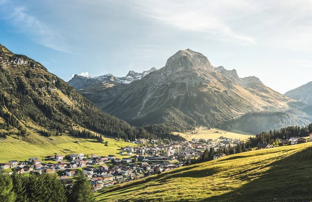 chalet-lech-luxuschalet-am-arlberg-lech-lodge-Sommer_01