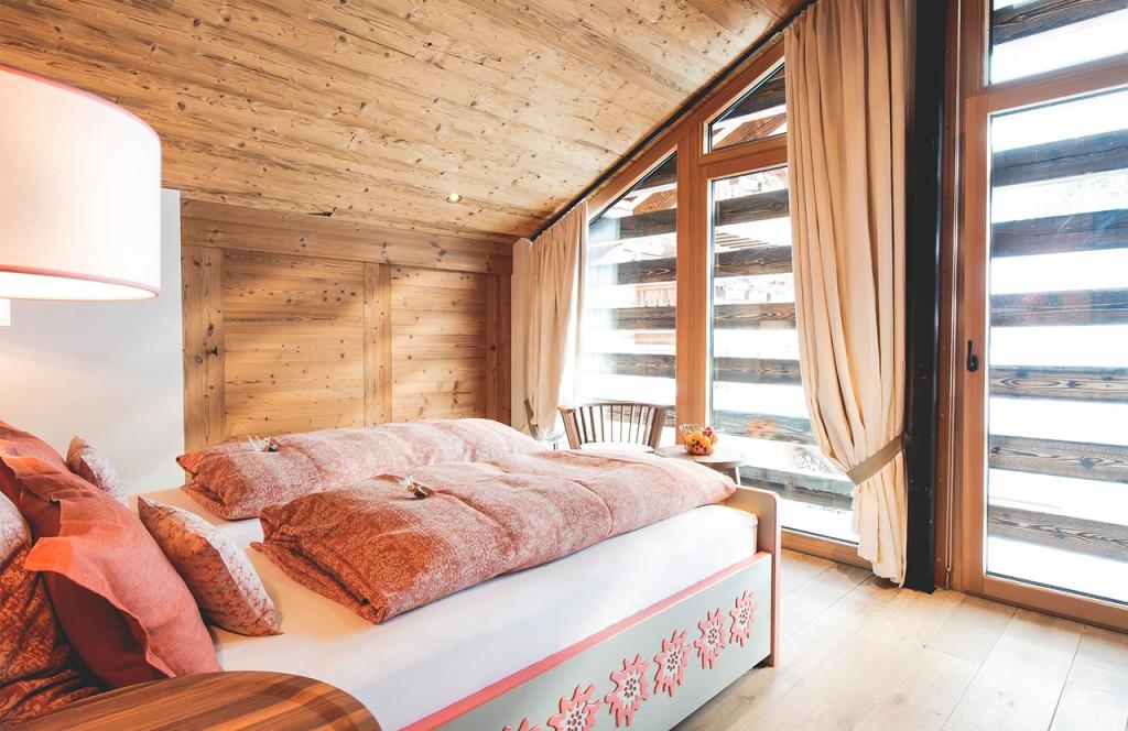 chalet-lech-luxuschalet-am-arlberg-lech-lodge-schlafzimmer-Arlberg_03