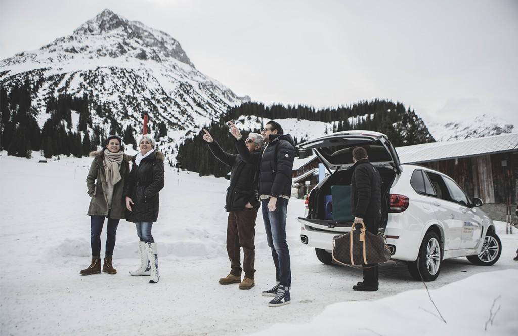 chalet-lech-luxuschalet-am-arlberg-lech-lodge-luxusferienwohnung-anreise-samstag-geaste-gepaeck-auto-natur-landschaft