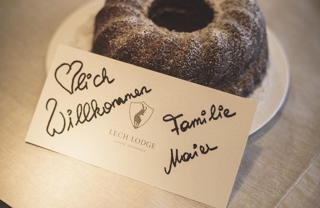 chalet-lech-luxuschalet-am-arlberg-lech-lodge-luxusferienwohnung-anreise-samstag-kuchen-selbstgemacht-willkommen-urlaub